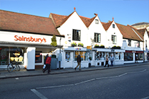 Retail in Marlow- Another Deal Done by Deriaz
